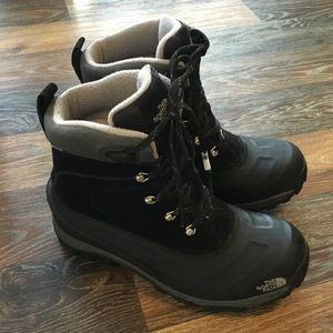 The North Face winter boots NWOT